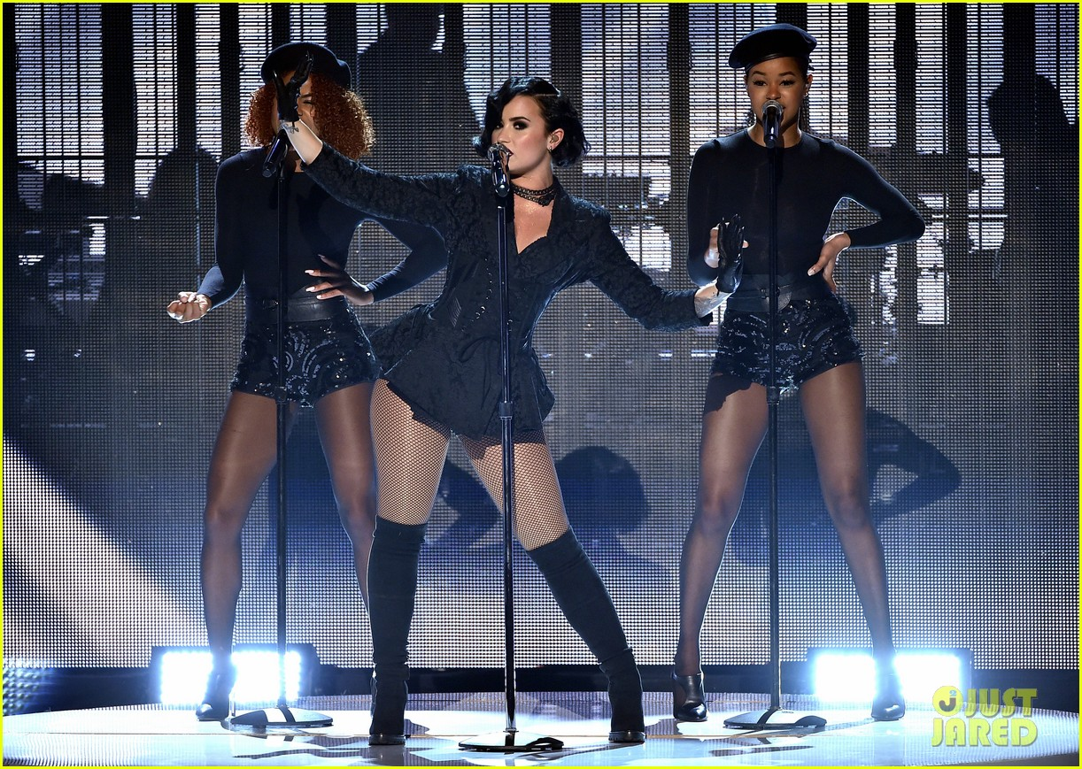 Demi Lovato Amas Performance 06 Ama