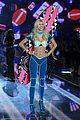 kendall jenner gigi hadid victorias secret fashion show 2015 10
