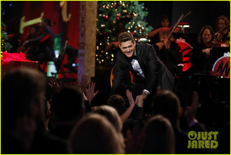 Michael Buble's 'Christmas in Hollywood' Special - Full Performers ...