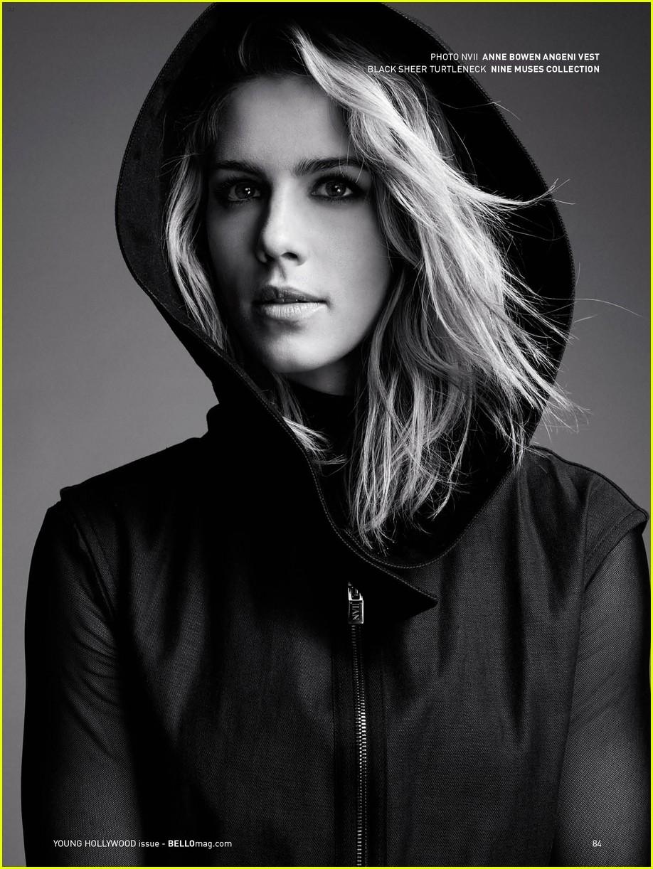 Arrow s Emily Bett Ric...