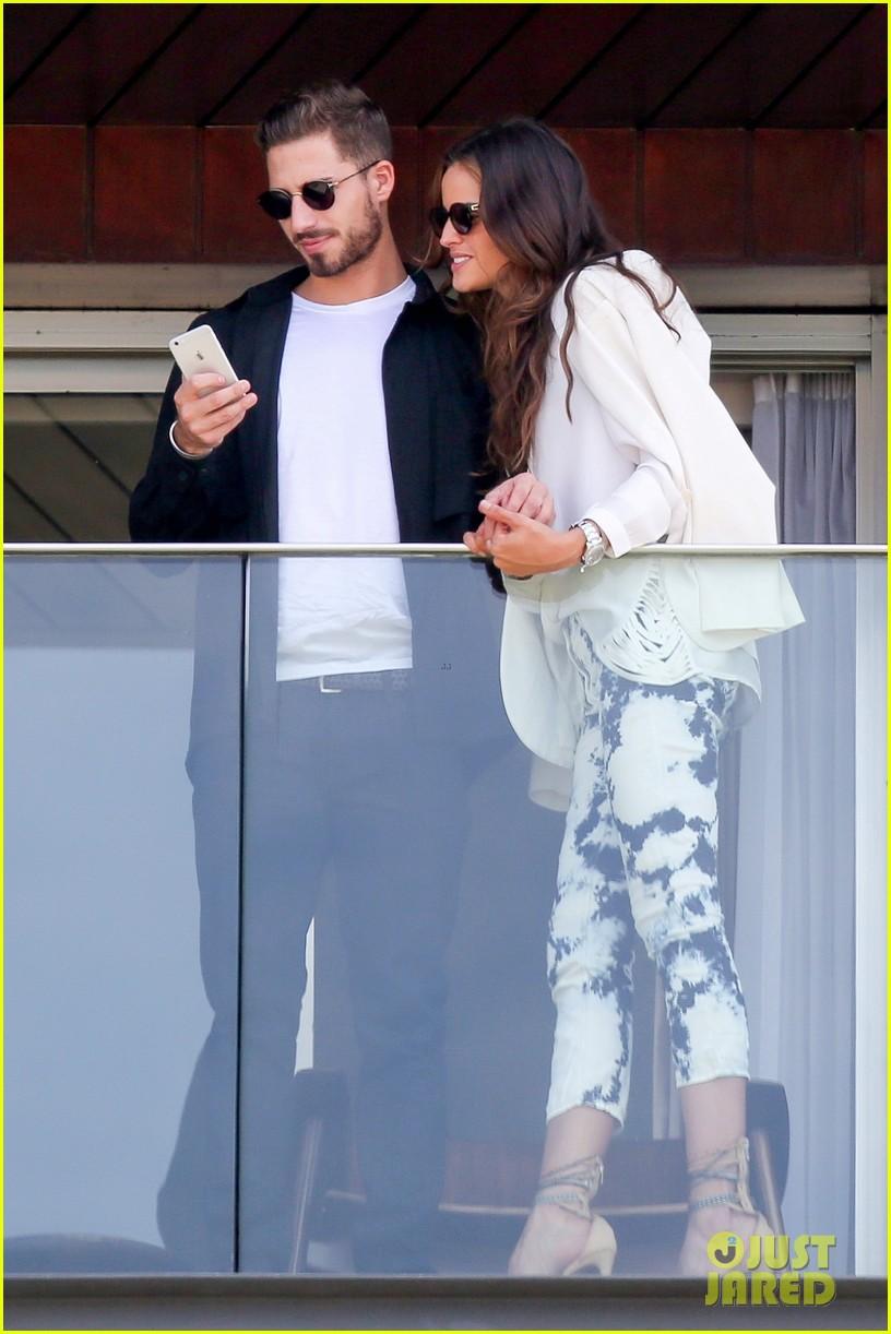Victoria's Secret Model Izabel Goulart Packs on the PDA ... Vanessa Hudgens Boyfriend