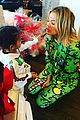 khloe kardashian lets north do her makeup on christmas morning 03