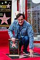 quentin tarantino is surrounded by pals for hollywood star 04