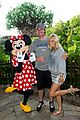carrie underwood husband mike fisher first kiss on new years eve 10