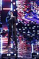the weeknd performs on the voice finale 04