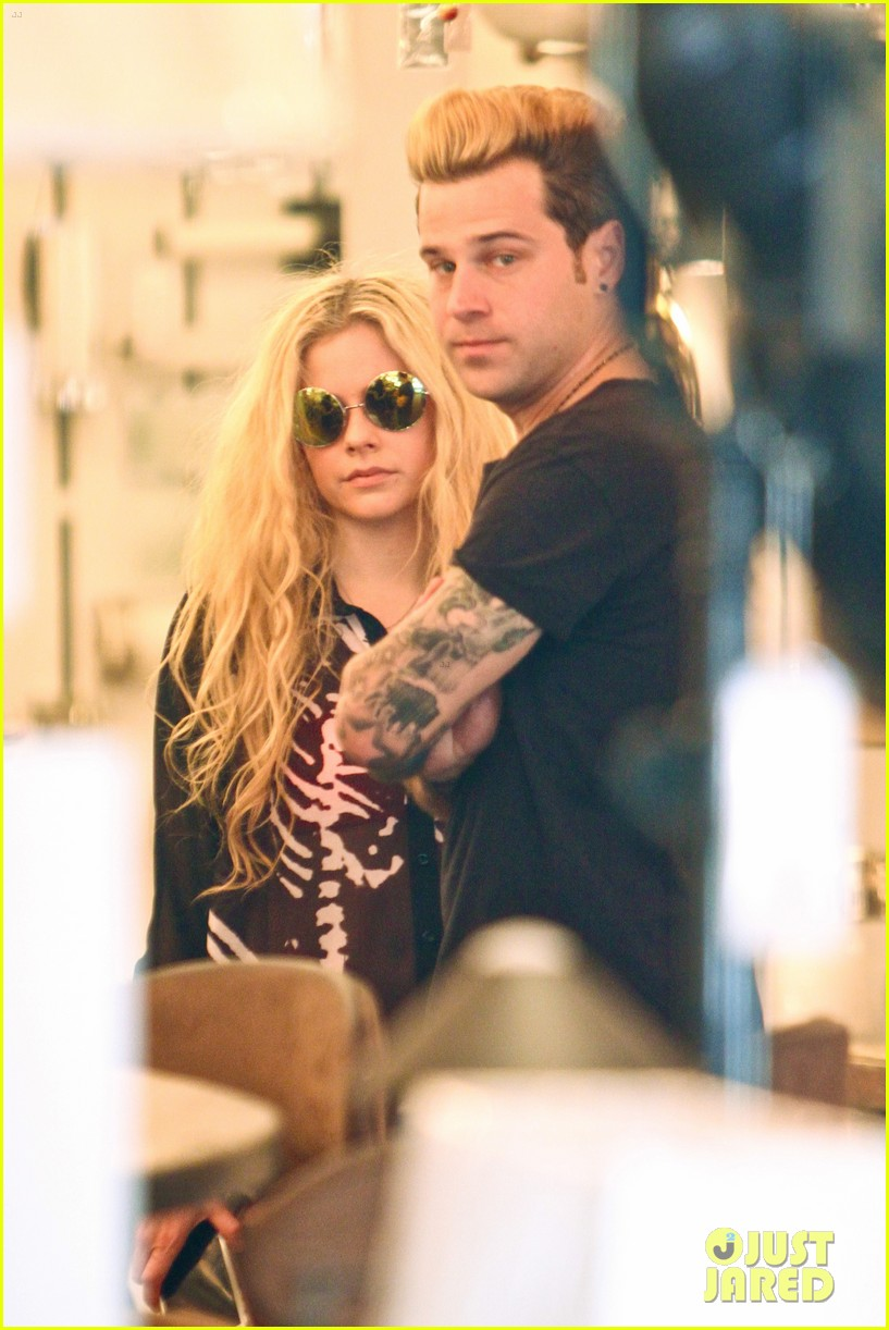 avril lavigne ryan cabrera shop lights 123560552