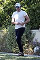 bradley cooper runs errands ahead of new years 04