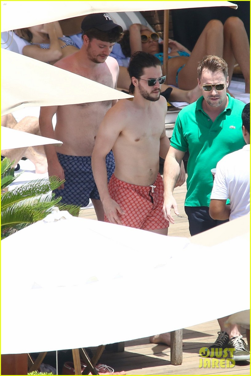 kit harington goes shirtless bares ripped body again in rio photo