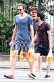 kit harington grabs food in brazil with pals 08