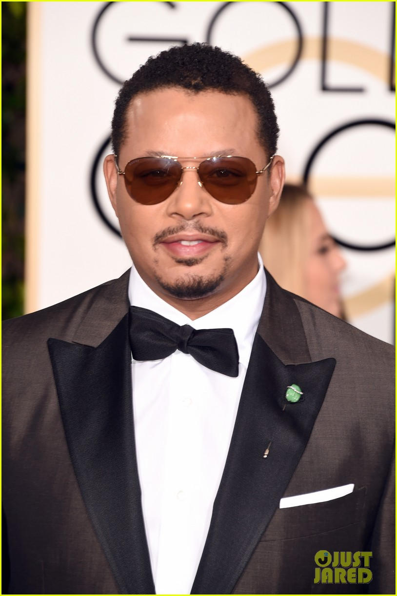 http://cdn04.cdn.justjared.com/wp-content/uploads/2016/01/terrence-globes/terrence-howard-joined-by-ex-wife-at-2016-golden-globes-02.jpg