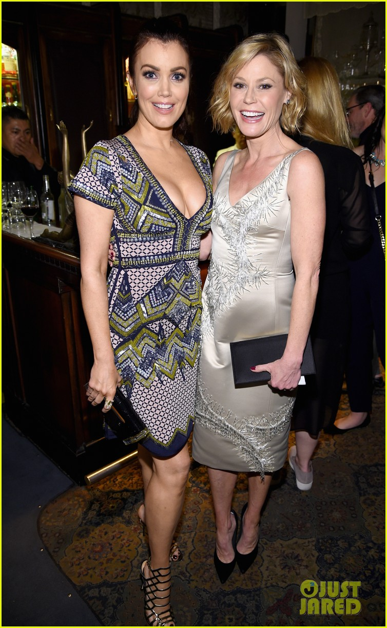 julie and bellamy hug it out at ew party 013563789