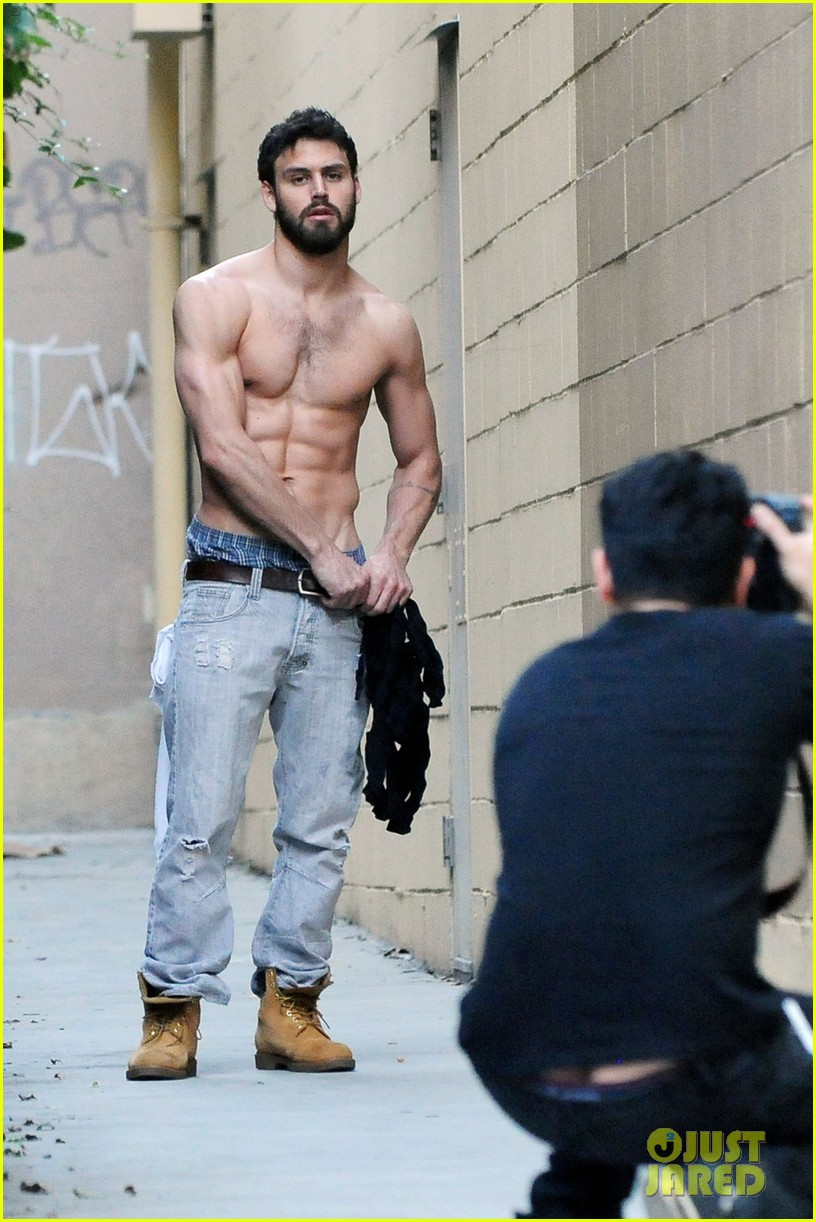 Full Sized Photo Of Ryan Guzman Shows Off Rock Hard Abs At