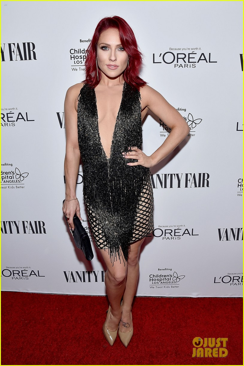 Full Sized Photo Of Sarah Hyland Ariel Winter Dominic Sherwood Vf Dj Night 03 Photo 3590154