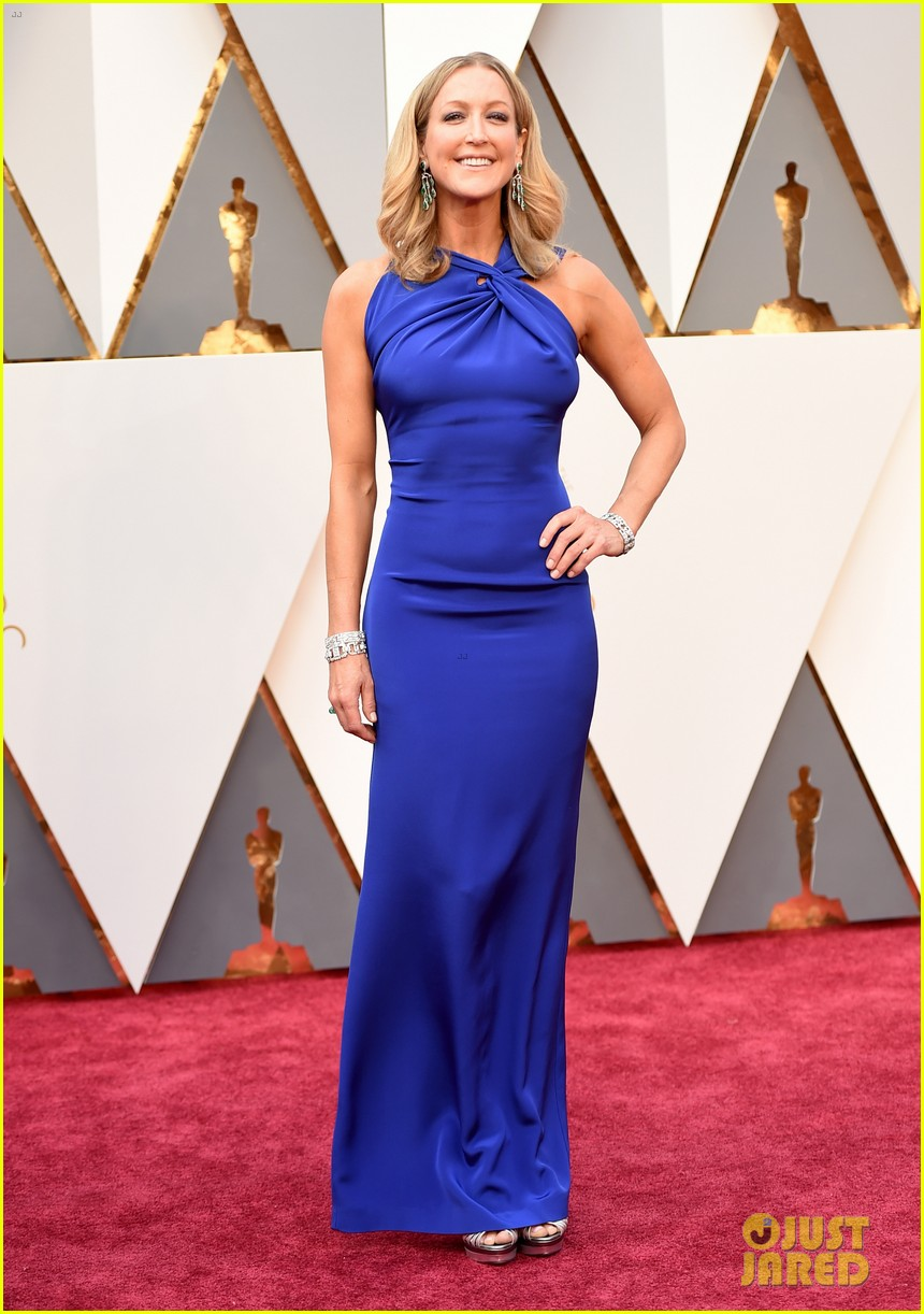 robin roberts lara spencer host abc s pre oscars show photo robin roberts lara spencer host abc s pre oscars show photo 3591886 2016 oscars lara spencer oscars robin roberts pictures just jared