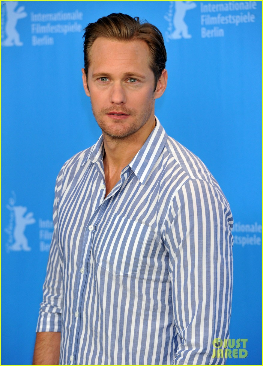 The 40-year old son of father Stellan Skarsgård  and mother My Skarsgård, 194 cm tall Alexander Skarsgård in 2017 photo