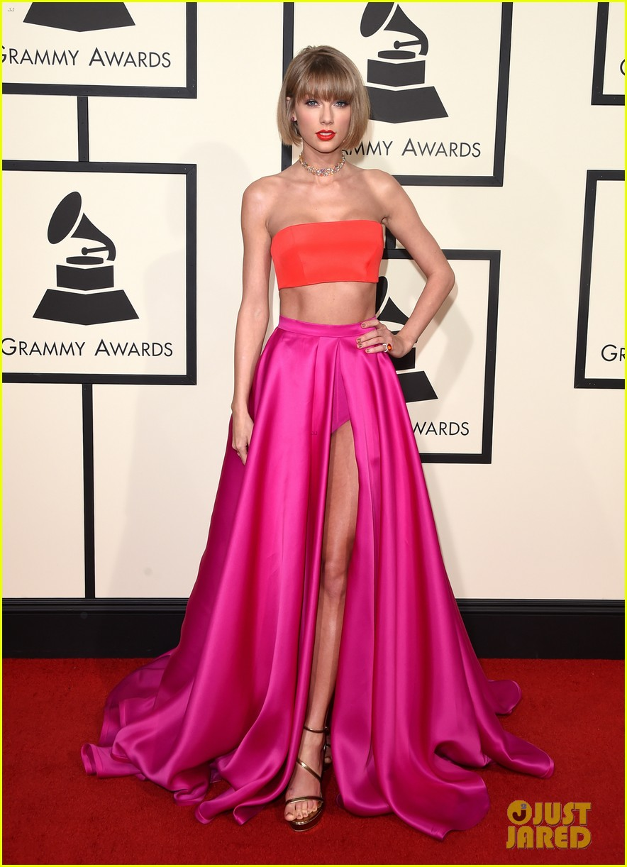 taylor swift short hair grammys 2016 red carpet 033579309