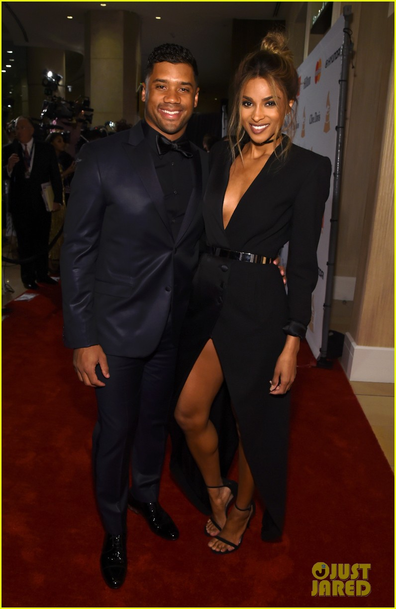 ciara is engaged to russell wilson 113603274