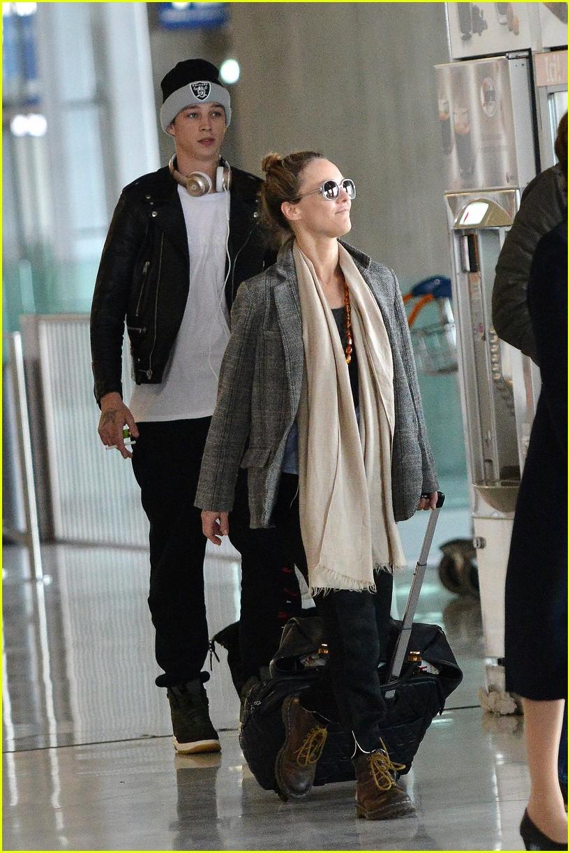 Lily-Rose Depp Flies to Paris With Mom Vanessa Paradis ... Vanessa Paradis Boyfriend
