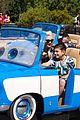 gwen stefani takes her son kingston to disneyland cars land 02