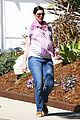 anne hathaway pink scarf baby bump 13