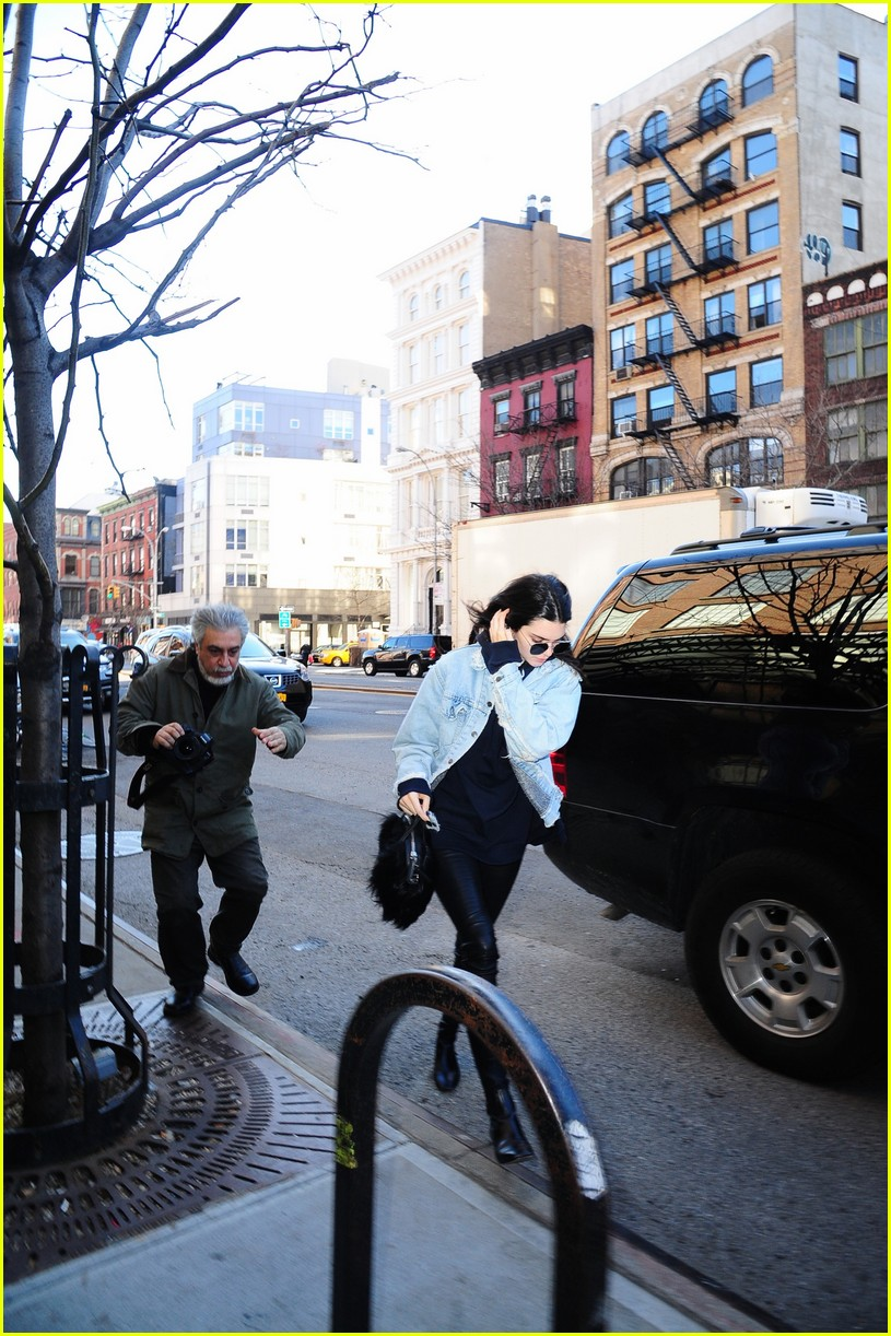 kendall jenner literal parazzi run in 283617032