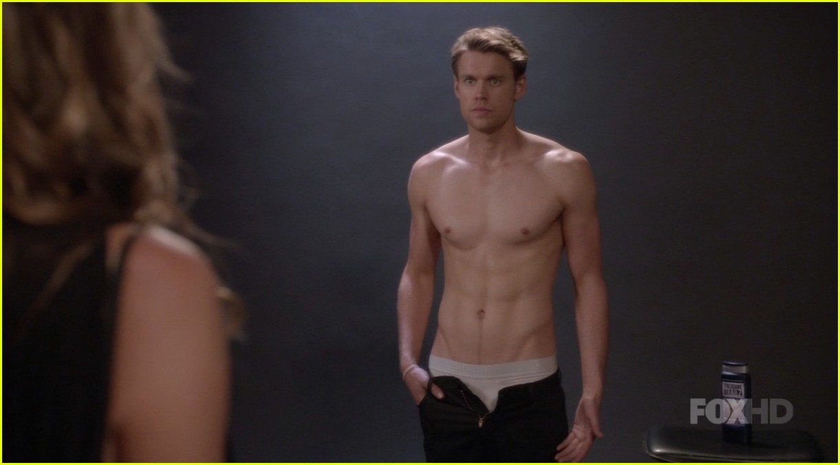 Glees Chord Overstreet Bares Six Pack Abs In Shirtless