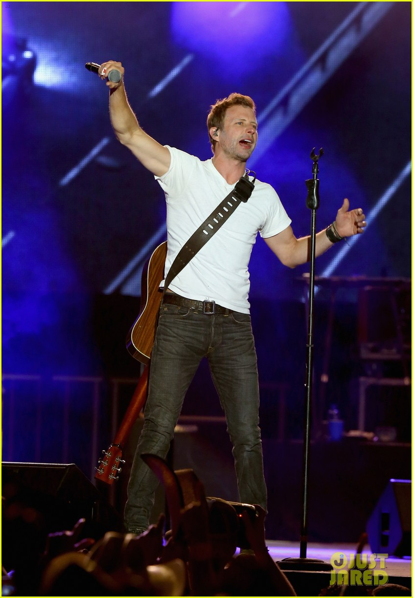 dierks women Are celebrities more likely to divorce or break up earlier this week news reports surfaced that dierks bentley, 42, and his partner had split up is the singer best known for hit songs like home, come a little closer or what was i thinkin' really single again.