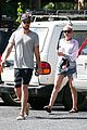 miley cyrus liam hemsworth grab breakfast in australia 08