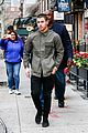 nick jonas challenges joe apple watch 04