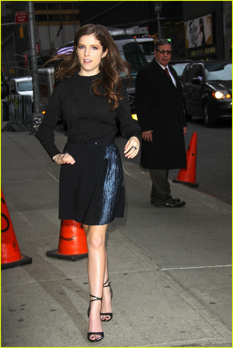 Anna Kendrick Hits Mr Right Premiere With Sam Rockwell Photo 3624339 Anna Kendrick Sam