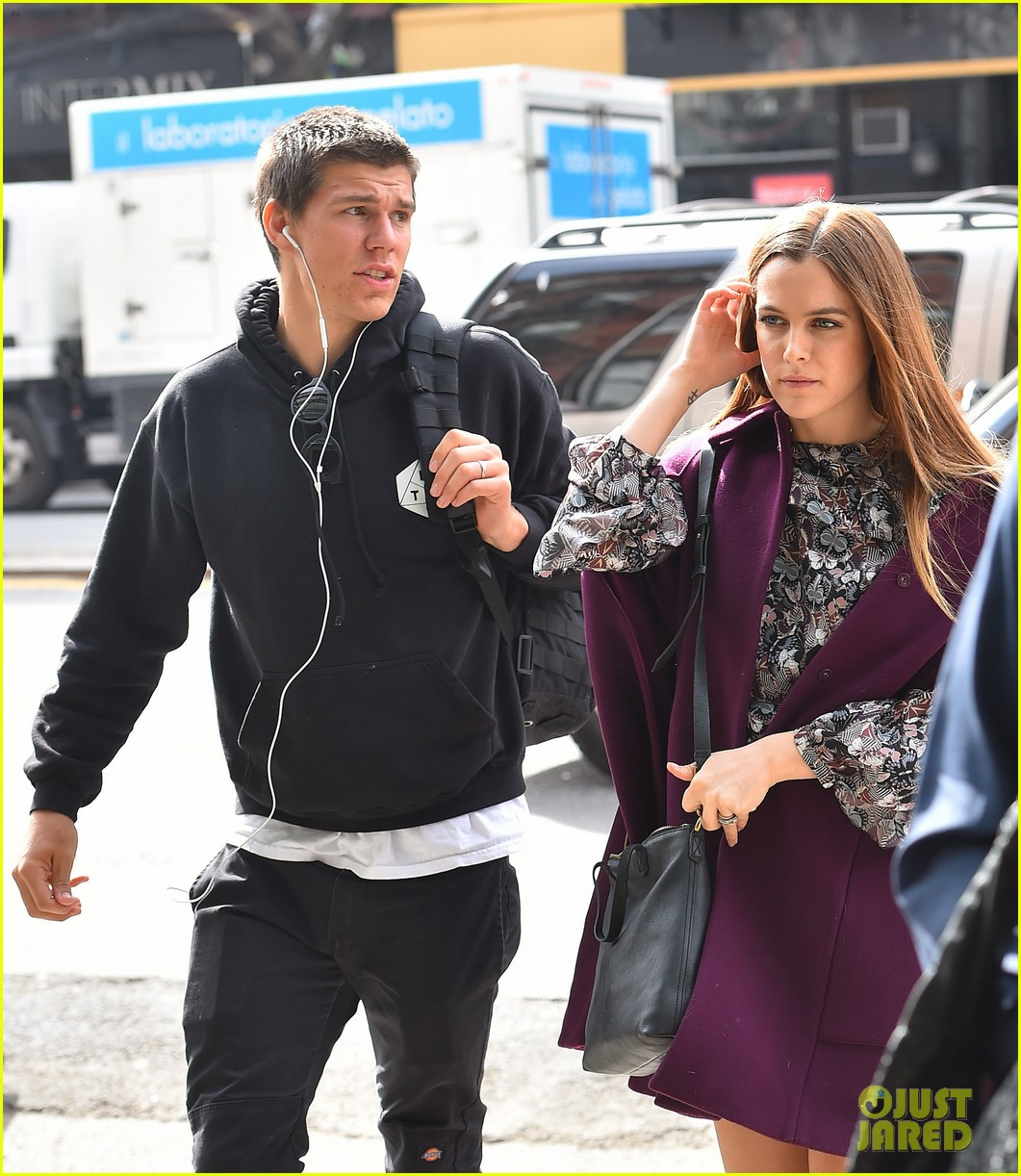 riley keough husband joins her on nyc press tour 023622432
