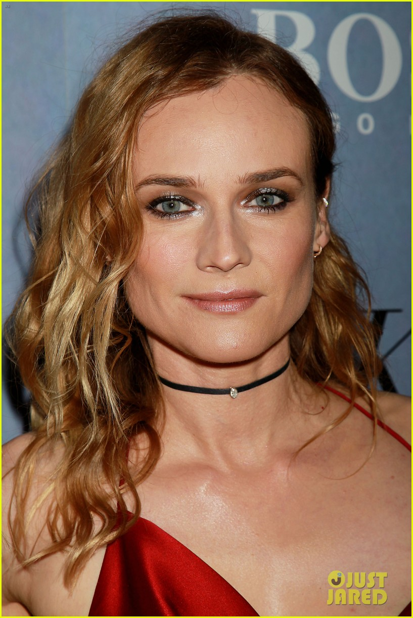 Diane kruger is red hot at sky premiere with norman reedus photo