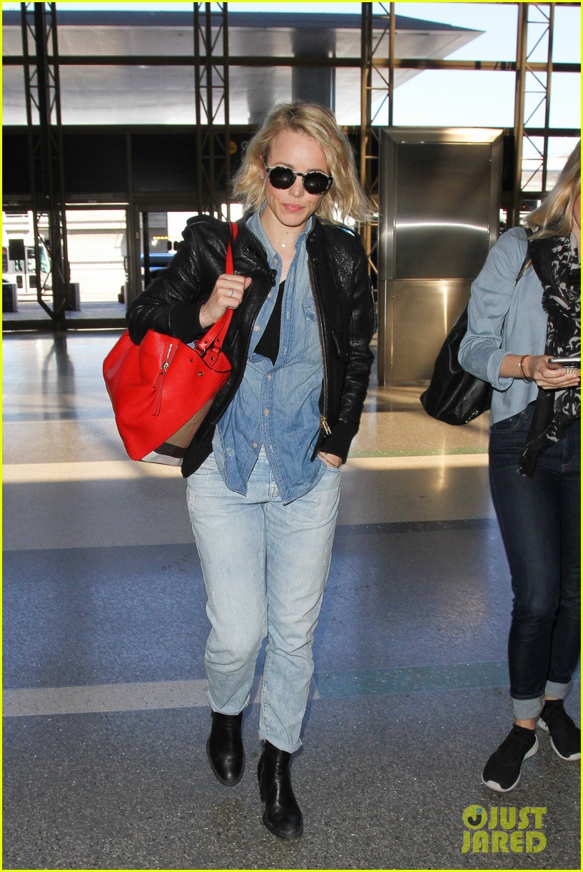rachel mcadams flight out of lax 083629912