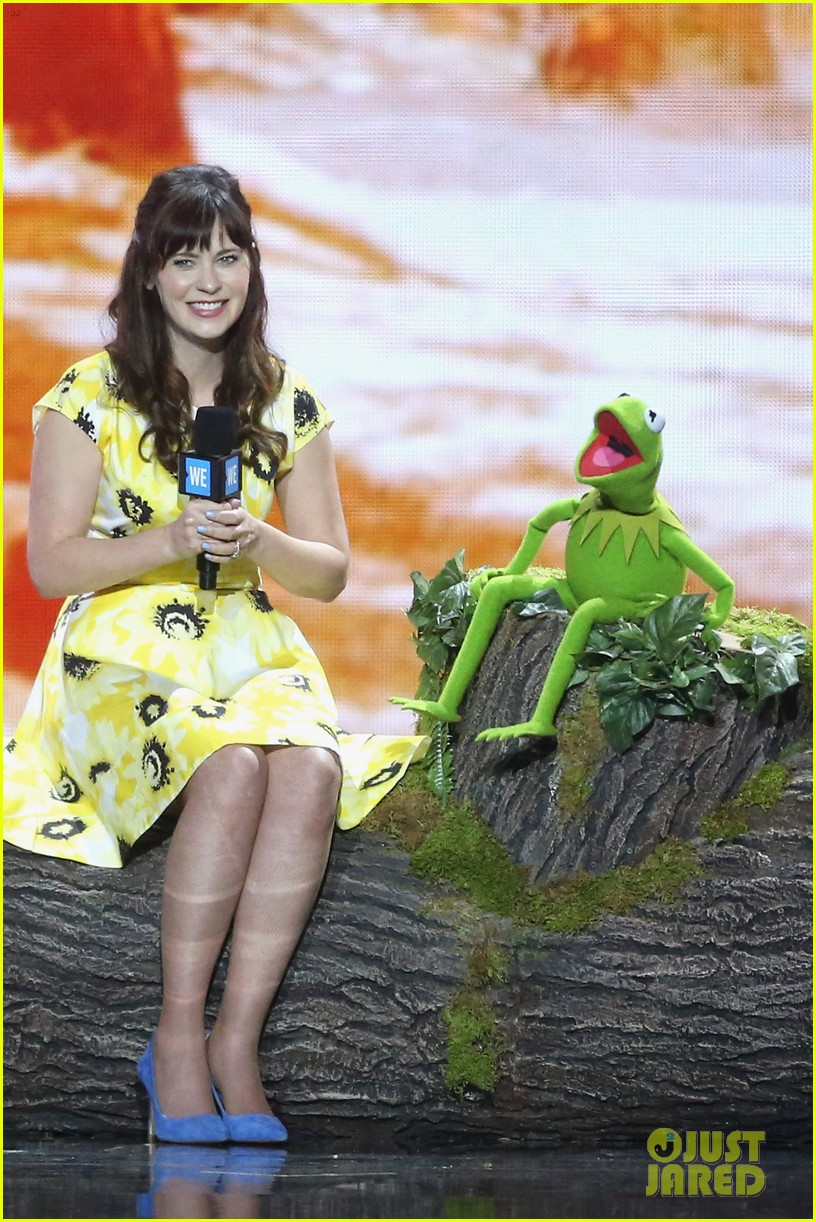 charlize theron zooey deschanel we day 053625147