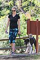 kate upton hikes with her dog 03