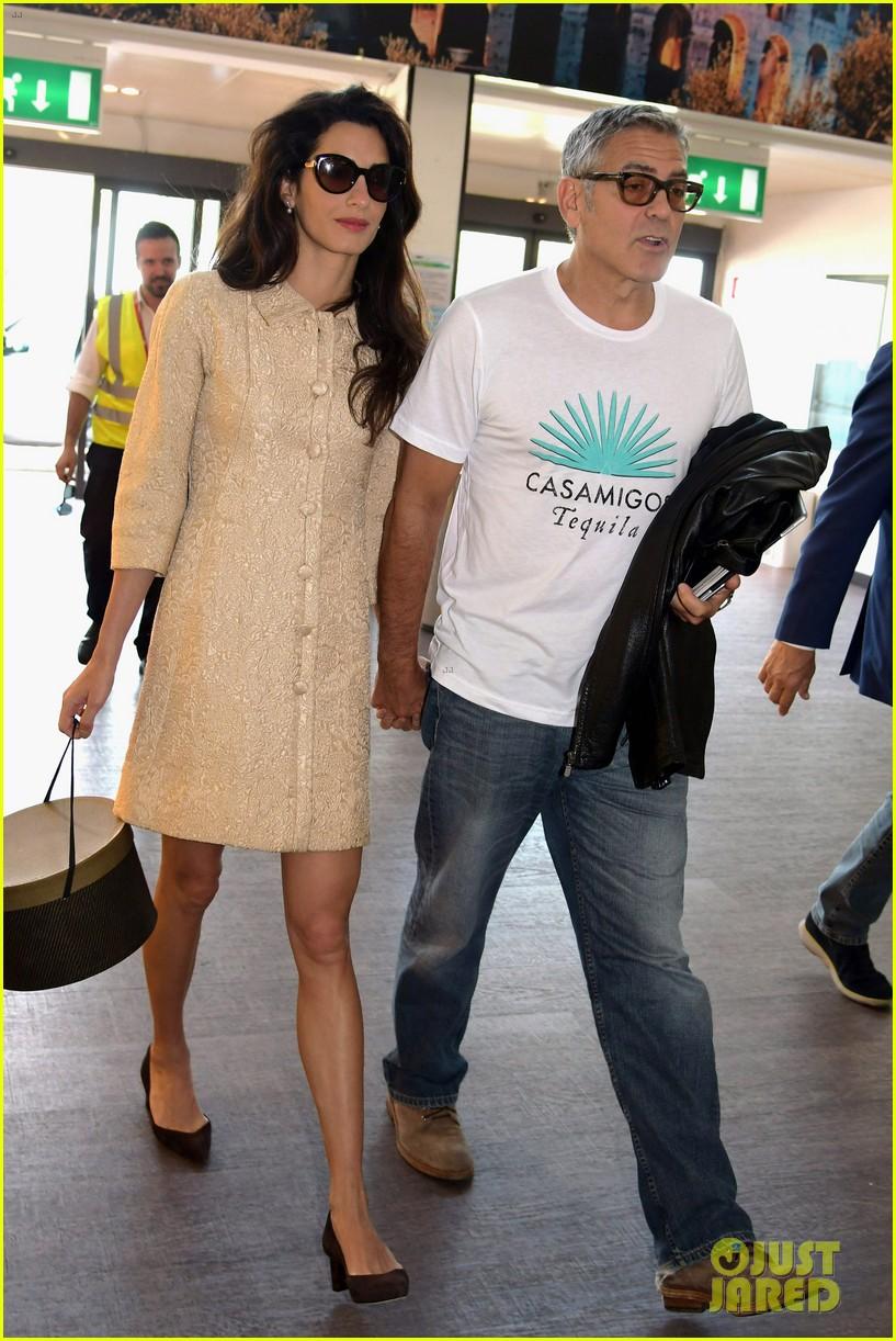 Amal Clooney Looks Chi...
