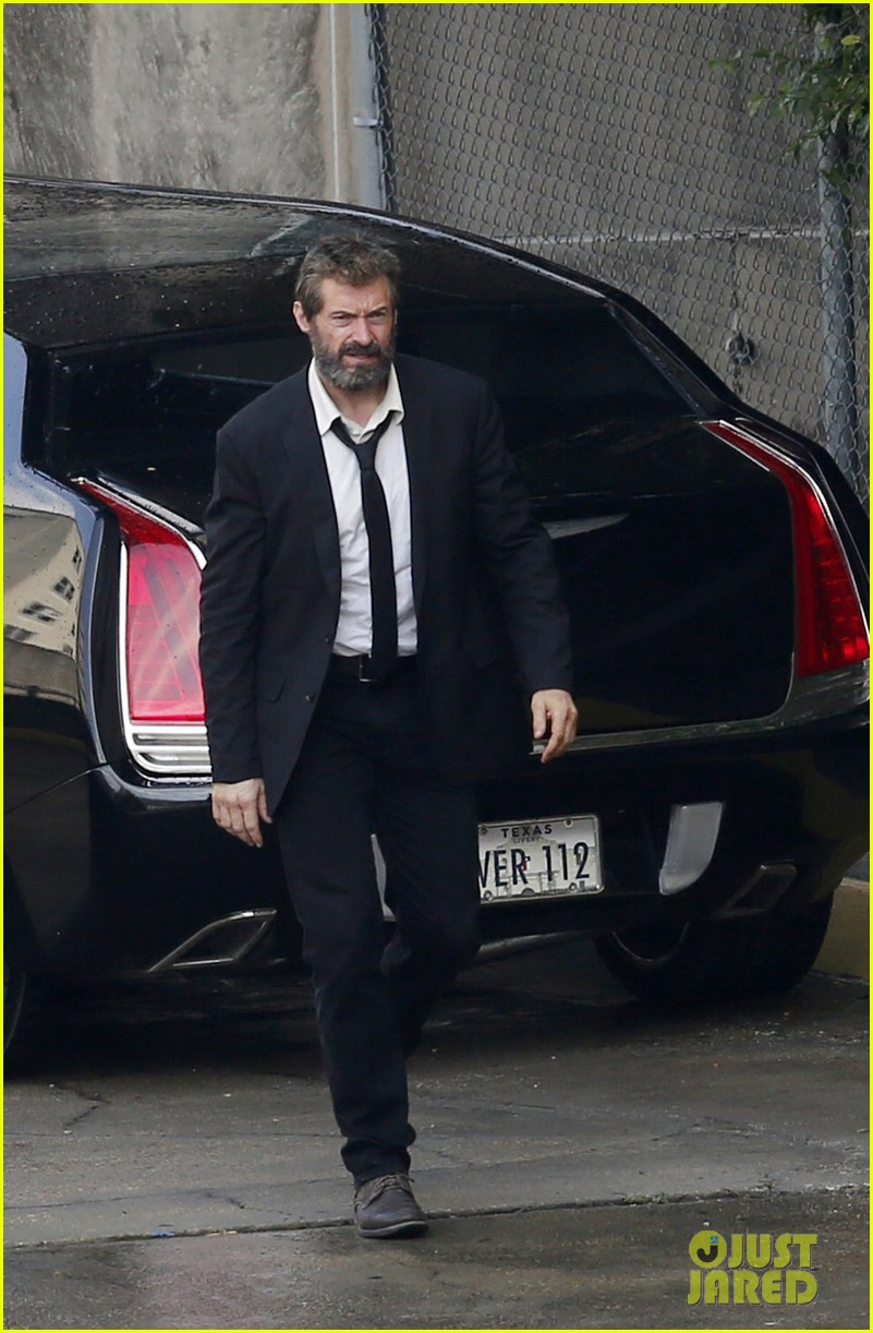 http://cdn04.cdn.justjared.com/wp-content/uploads/2016/05/jackman-firstwolv/hugh-jackman-beard-wolverine-3-set-photos-01.jpg