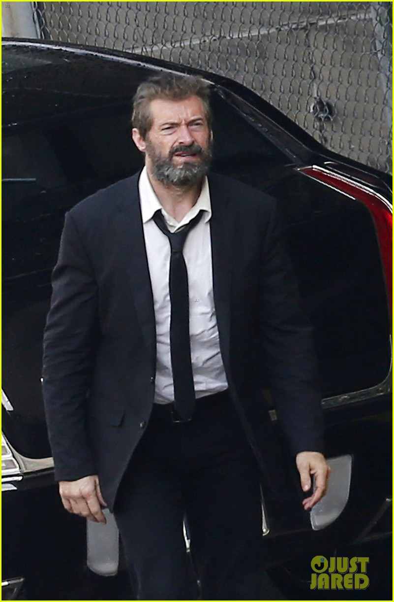 http://cdn04.cdn.justjared.com/wp-content/uploads/2016/05/jackman-firstwolv/hugh-jackman-beard-wolverine-3-set-photos-02.jpg
