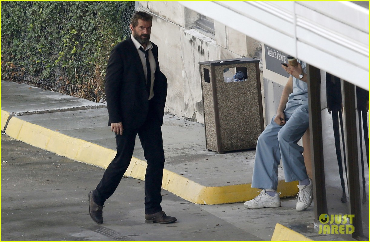 http://cdn04.cdn.justjared.com/wp-content/uploads/2016/05/jackman-firstwolv/hugh-jackman-beard-wolverine-3-set-photos-06.jpg