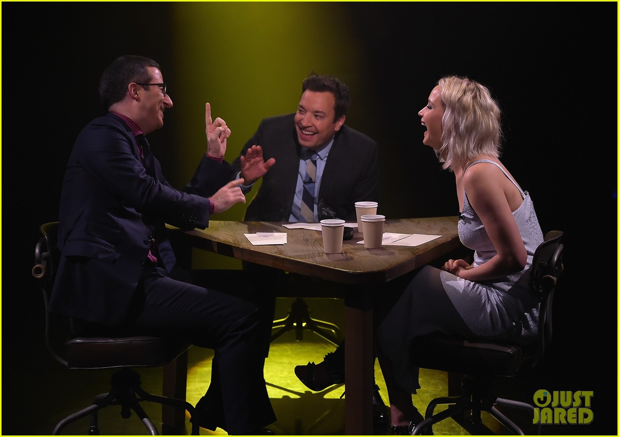http://cdn04.cdn.justjared.com/wp-content/uploads/2016/05/lawrence-tconfessions/jennifer-lawrence-plays-true-confessions-with-john-oliver-01.jpg