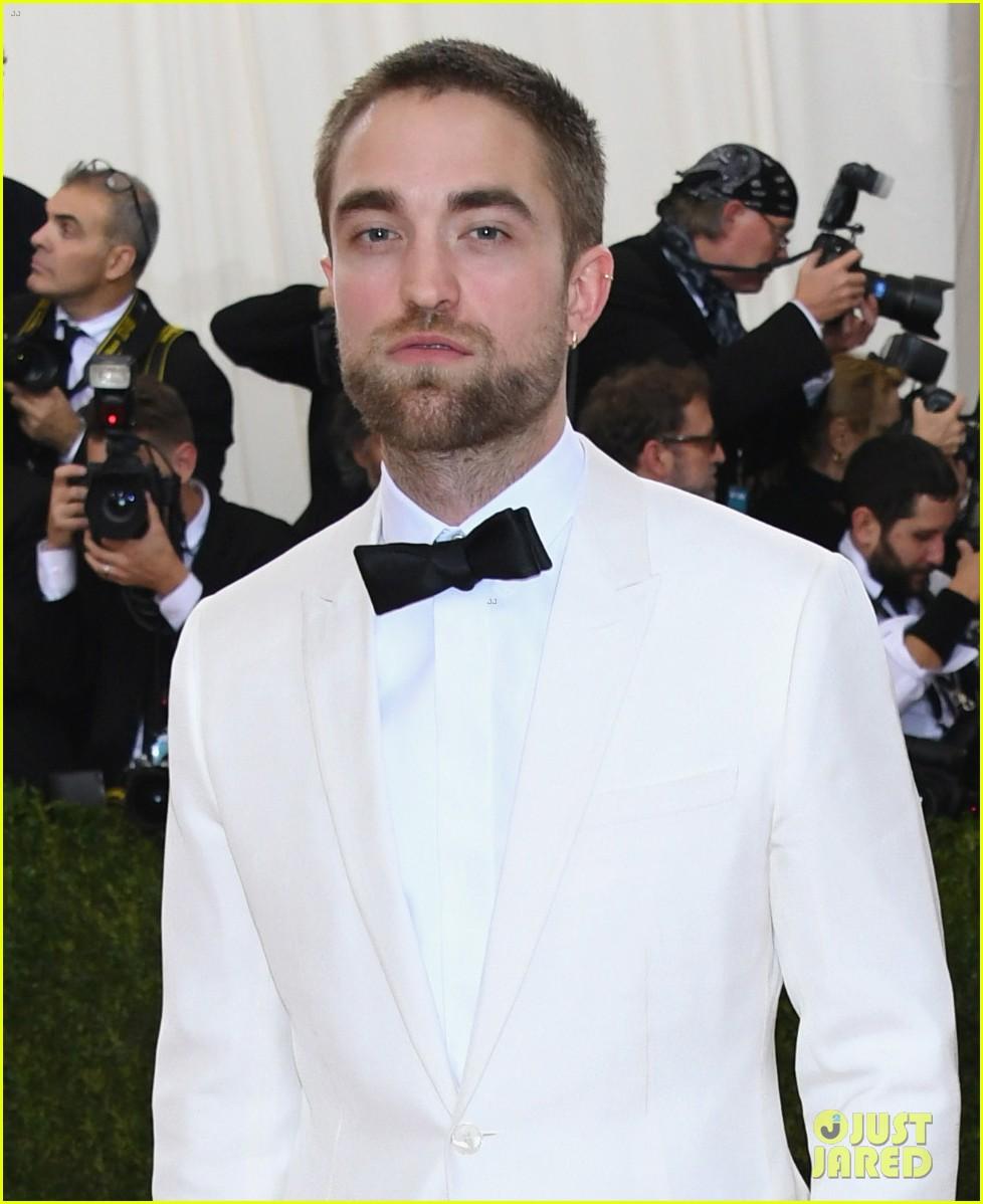 Robert Pattinson &... Robert Pattinson And Fka Twigs
