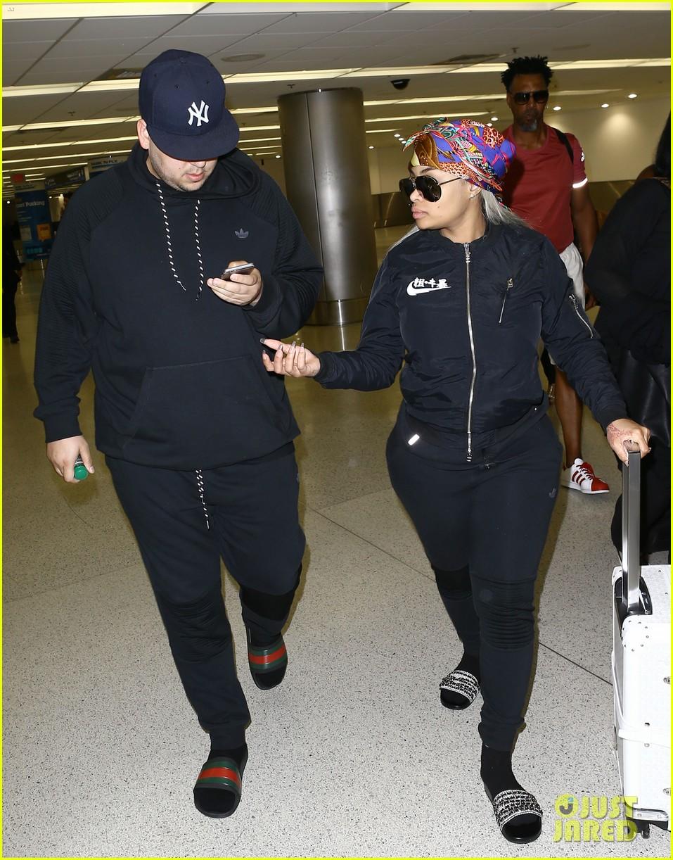 rob kardashian pregnant blac chyna miami airport 033653033