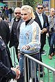 gwen stefani joins shelton angy birds 17