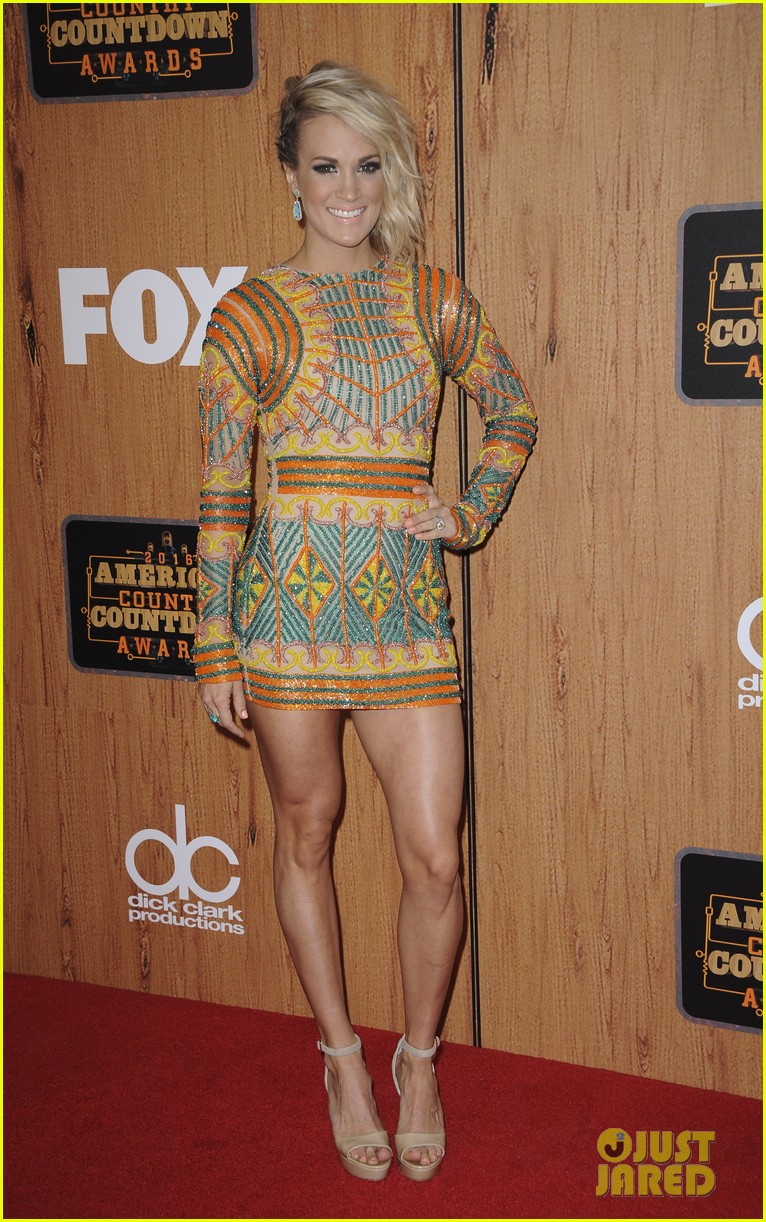 carrie underwood press room accas 2016 073645209