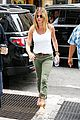 jennifer aniston justin theroux keep busy in the big apple 01