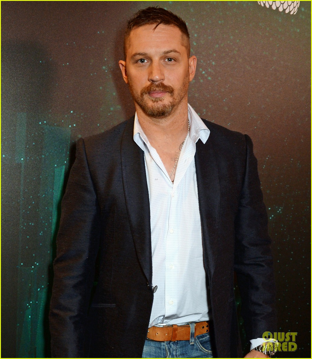 tom hardy says he constantly changes phones to protect himself family from hackers 013670841