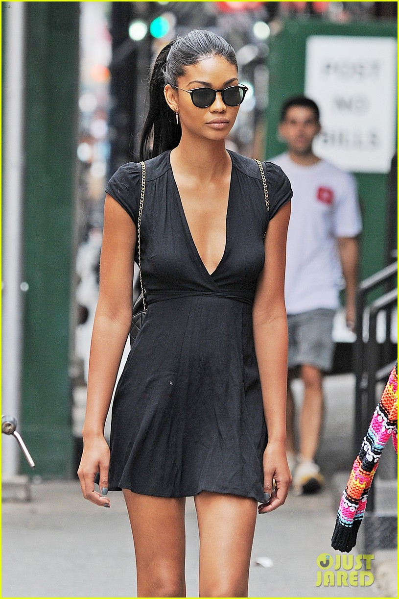 chanel iman shows off her hairstylist skills photo  chanel iman shows off her hairstylist skills