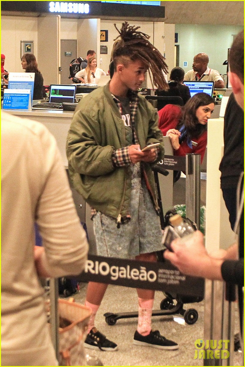 jaden smith arrives brazil luggage scooter 243672127