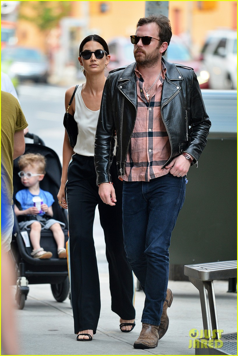 lily aldridge caleb followill arm arm nyc 013674322