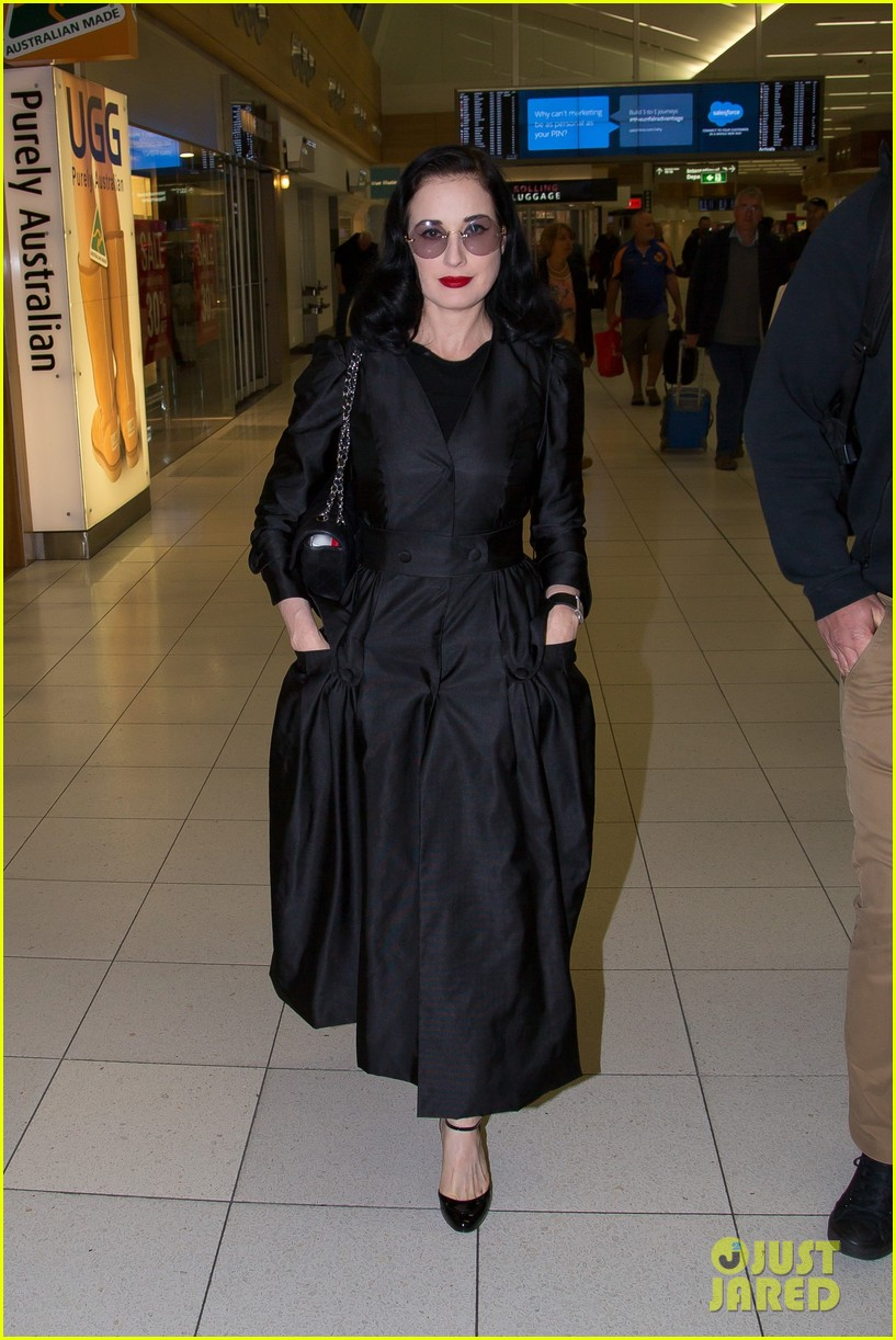 dita von teese channels old hollywood glam in australia 063690008